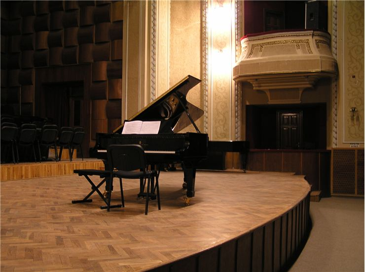 Piano in the Concert Hall