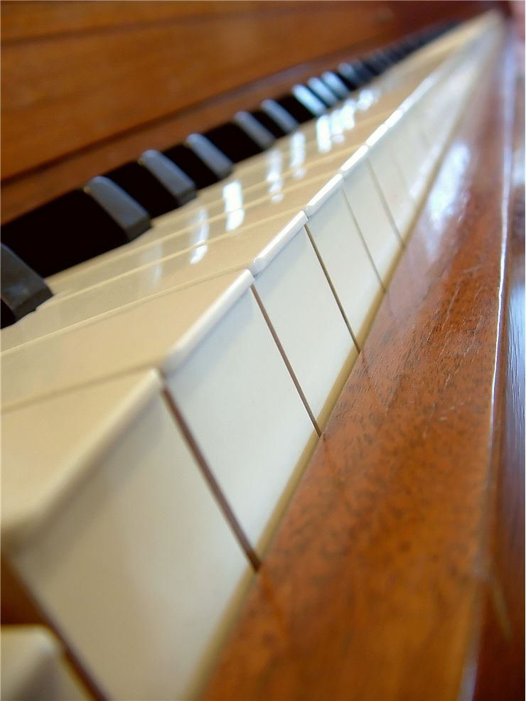 Piano Keyboard at Angle